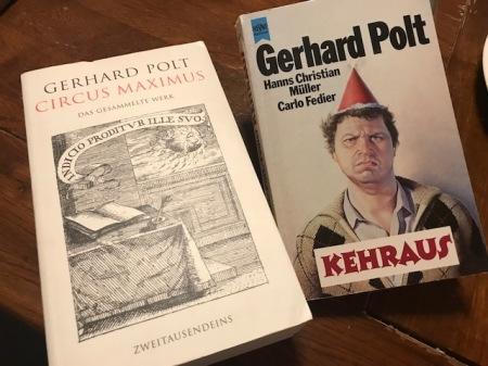 Diese beiden Bücher von Gerhard Polt wollte ich mir signieren lassen: Circus Maximus und Kehraus.