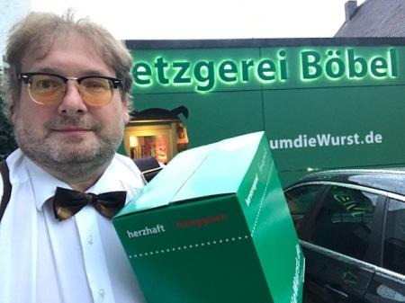 Real einkaufen beim Internet-Metzger Claus Böbel.
