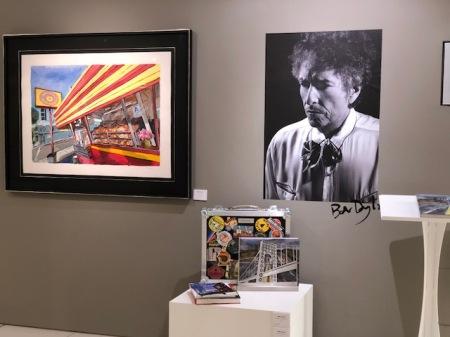Die Kunstgalerie Halcyon in Harrods hat ein paar Original-Dylan zum Verkauf.