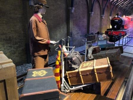 Lust auf ein kleines Harry Potter Quiz? Wem gehört welches Gepäck?