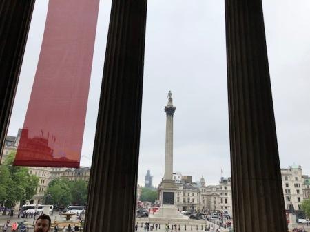 Blick von der National Gallery auf Nelson