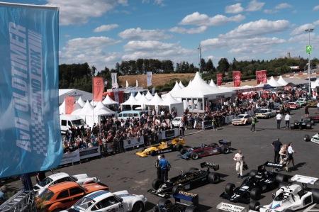 Blick ins Fahrerlager des 46. AvD Oldtimer Grand Prix.