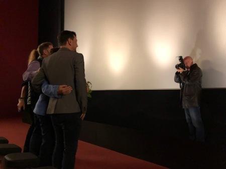 Fotoreporter Günter Reger von der örtlichen SZ war auch da und bringt den Abend in die klassischen Massenmedien.