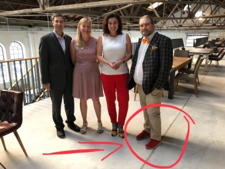 Ministerin Dorothee Bär fielen die Schuhe sofort auf.