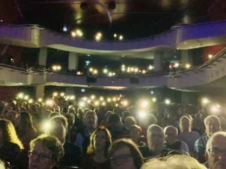 Das Münchner Publikum ging voll mit.