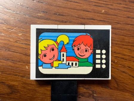 Kinder und Kirche liefen im Fernsehen.