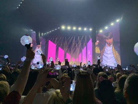 BTS in Berlin in der Mercedes Benz Arena.