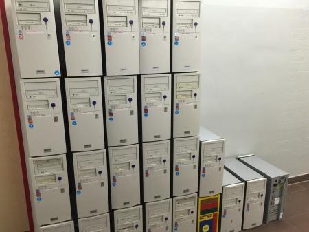 Ausgemistete Hardware an einer Schule