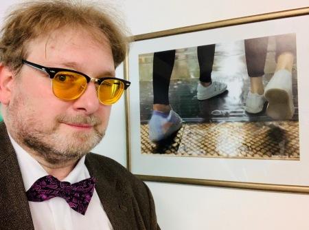 Stolzer Vater: K2 hat das erste Bild in einer Ausstellung hängen.