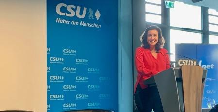 "Bär:  ""Horst, du bist jetzt eSport-Minister"""