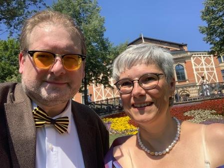 Ich bin dankbar, dass mich meine  Frau zu Wagner begleitet.