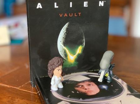Alien Vault - ein schönes Making of Buch.