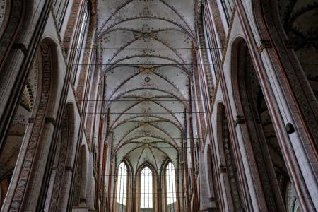 Die Marienkirche in Lübeck hat das höchste Backsteingewölbe der Welt.