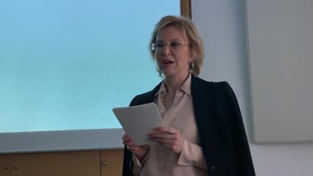 Sehr sympathisch und offen: Verlegerin Angelika Diekmann.