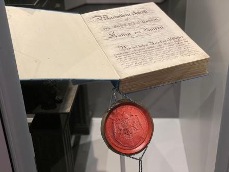 Die Verfassung des Freistaats Bayern.