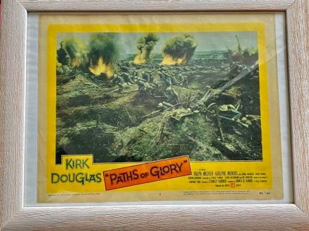 Original Aushangfoto von 1957 von Wege zum Ruhm. Es hängt in meinem Arbeitszimmer.