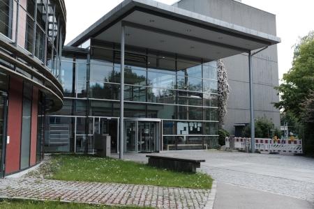Eingang zum Landratsamt.
