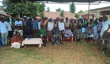 Es gilt über Schutzmaßnahmen  in Togo aufklären. Foto: Kopp